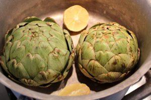 Uncooked globe artichokes