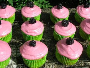 Blackberry & Apple Cupcakes
