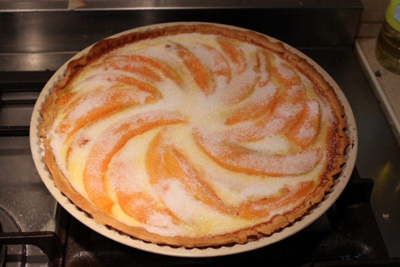 Melon tart with sugar on